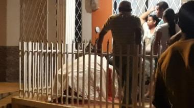 Mujer fue asesinada en la terraza de su casa