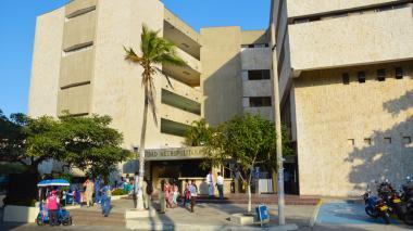 Fachada de la Universidad Metropolitana.