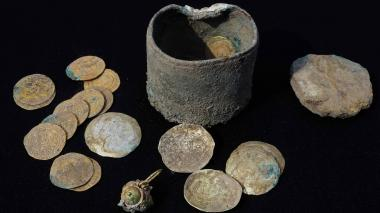 Hallan en Israel tesoro de monedas de oro de hace 900 años