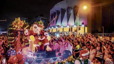 Con la Gran Parada de la Luz la Navidad desfila en la ciudad