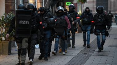 Al menos 700 policías se movilizan para encontrarlo.