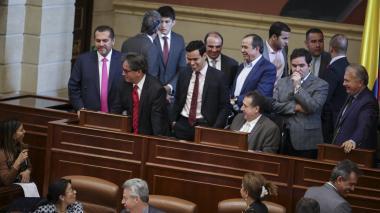 El ministro de Hacienda, Alberto Carrasquilla, tras la aprobación de la Ley de Financiamiento en las comisiones económicas.