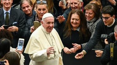 """El Papa critica el """"bullicio del consumismo"""" de Navidad"""