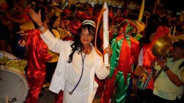Fallece Víctor Flores, creador del disfraz 'La Enfermera Superior' del Carnaval de Barranquilla