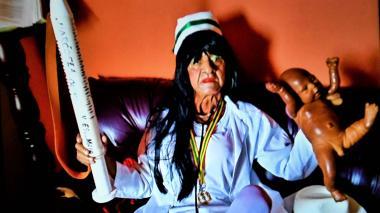 El último Carnaval de Víctor Flores, la enfermera superior