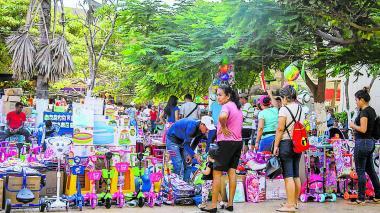 Varios de los comerciantes del centro de Barranquilla aseguran que las ventas ya no son igual que antes. Para ellos, en años anteriores más gente compraba.