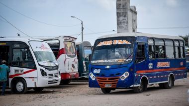 Pasajes de buses, colectivos y Transmetro suben 200 pesos