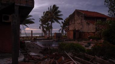 Tsunami en Indonesia causó 426 muertos, según último balance