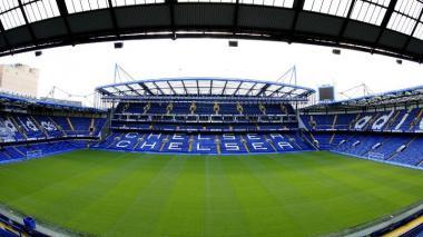 Hincha de Chelsea no podrá entrar al estadio durante tres años por gritos homófobos