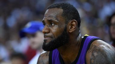 LeBron James seguirá al menos tres días más de baja por lesión