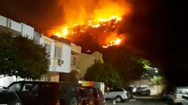 En video | Alerta por incendio forestal en El Rodadero
