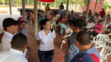 Durante la reunión en El Playón, Lorica.