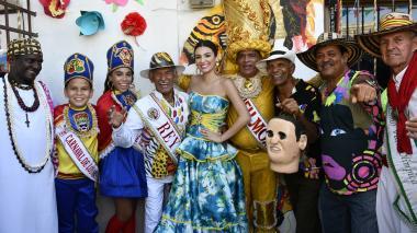 En video | Las calles de Rebolo gozaron con la realeza carnavalera