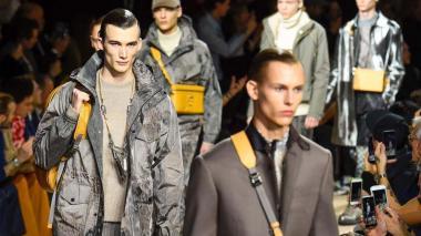 París vive la moda masculina en medio de movilizaciones