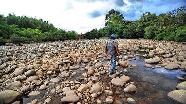 A ahorrar agua y energía por fenómeno de El Niño: empresas de servicios públicos