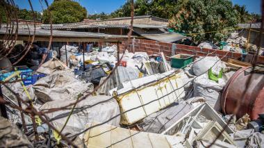"""Denuncian """"contaminación"""" en Los Olivos por planta de reciclaje"""