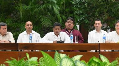 Fotografía de archivo: el 10 de mayo de 2018 el Gobierno Nacional instaló la mesa de negociación con el Eln. Los acompaña el entonces embajador en Cuba, Gustavo Bell Lemus.