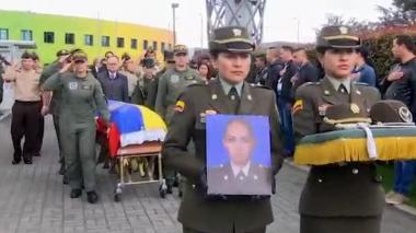 En video   Policía realizó homenaje a cadete ecuatoriana muerta por carrobomba