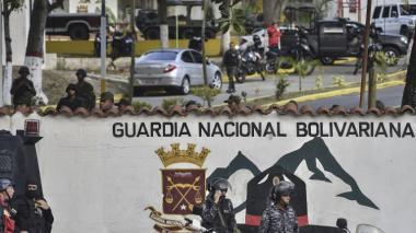 Detenidos militares sublevados contra Maduro en Venezuela