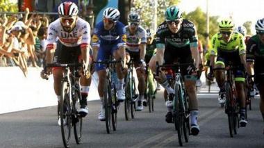 El antioqueño Fernando Gaviria (i) compitiendo en la Vuelta a San Juan.