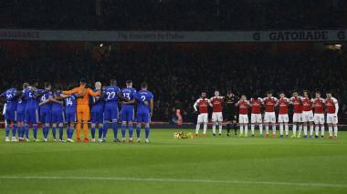 Cardiff y Arsenal rinden homenaje a Sala