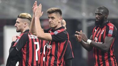 El Milan derrota al Nápoles y se clasifica a semifinales de Copa de Italia