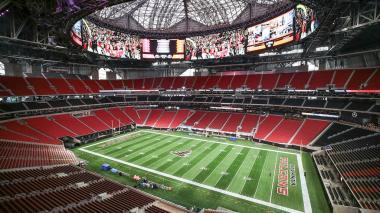 Panorámica del estadio Mercedes-Benz, donde se disputará la final del Super Bowl entre Rams y Patriots.