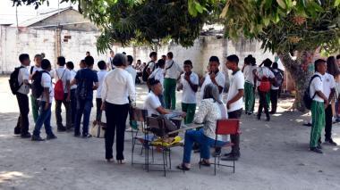 En video   Entre el polvo y la mezcla de cemento, Bachillerato de Las Nieves comienza clases