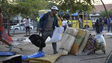 En video   Desalojan campamento en Circunvalar