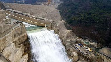 Caudal de río Cauca ha venido aumentando con descargas en Hidroituango: EPM
