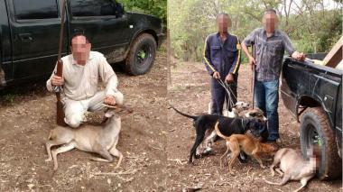 Un cazador con su rifle muestra un venado, en una finca de la región Caribe. Luego de la cacería, los cazadores acostumbran a fotografiar al animal.