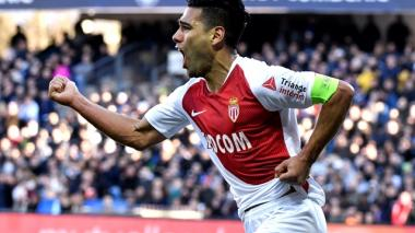 Falcao celebra su cumpleaños con un gol