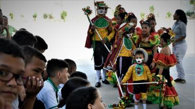 Carnaval educativo, un recreo para el folclor