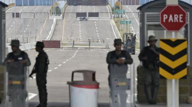 Maduro suspende zarpes en todos los puertos del país