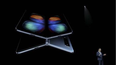 En video | Samsung presenta su smartphone con pantalla plegable, el Galaxy Fold