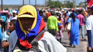"""En video   """"Solo nos trajeron para que hiciéramos bulto"""": venezolanos en Paraguachón"""