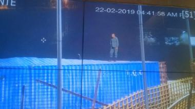 Migración denuncia que guardia venezolana habría soldado los contenedores del Puente Tienditas