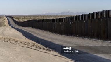 Vista de un sector de la frontera de Estados Unidos y México, vallas colocadas en el año 1994, durante el gobierno de Bill Clinton.