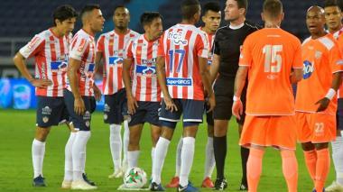 Junior 0, Envigado 0: el árbitro se robó el show