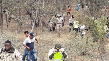 Las autoridades buscaron el cuerpo en la zona pero fue recogido por sus familiares y llevado a una ranchería.