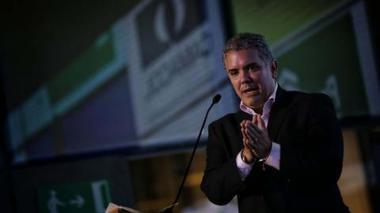 Iván Duque, presidente de Colombia, respaldaría reparos de la Fiscalía.