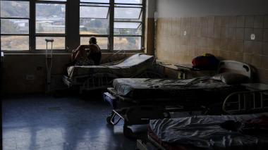 Maduro denuncia, Guaidó presiona y enfermos renales mueren por apagón en Venezuela