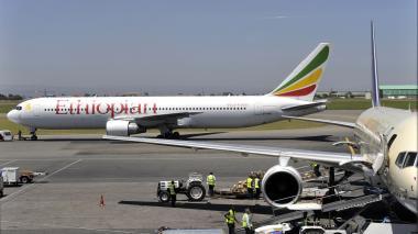 Accidente de avión en Etiopía deja 157 muertos