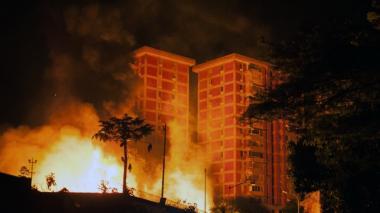 Venezolanos protestarán contra Maduro por apagón que agrava la escasez