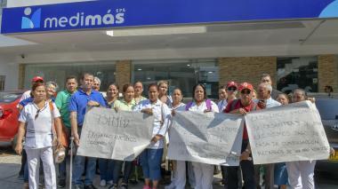 En video   Plantón de trabajadores de Esimed para reclamar pago de salarios