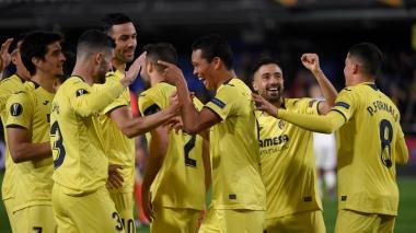 Carlos Bacca festejando el gol que anotó el jueves en los octavos de final de la Liga de Europa ante el Zenit.