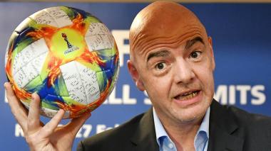 Los mundiales de Infantino tienen vía libre en la Fifa