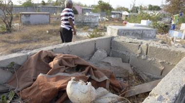 Abandono e inseguridad rondan  al cementerio de Santa María