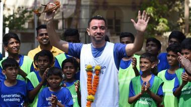 El jugador español Xavi Hernández durante una obra benéfica en Mumbai.