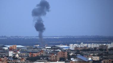 Israel lanza ataques contra Hamas en Gaza tras recibir un cohete